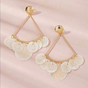 🎁 GR8 GIFT 🎁 Circle Shell Tassel Drop Earrings